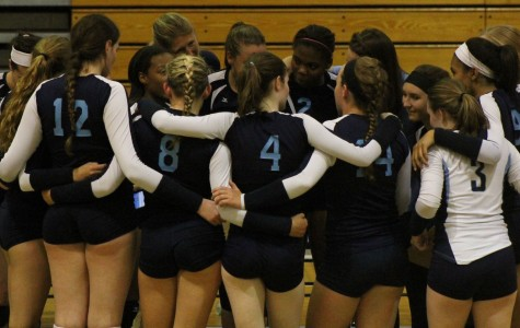 Varsity Volleyball Goes Down to the Wire with Bloomingdale