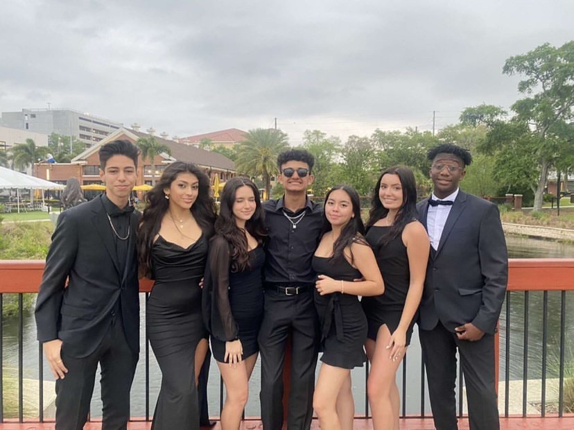 Newsome+students+Opt+for+a+D.I.Y+prom
